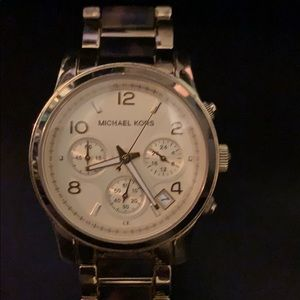 Large-face Michael Kors ladies watch gold/tortoise